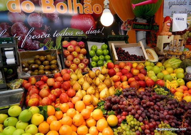 Banca de frutas no Mercado do Bolhão, no Porto