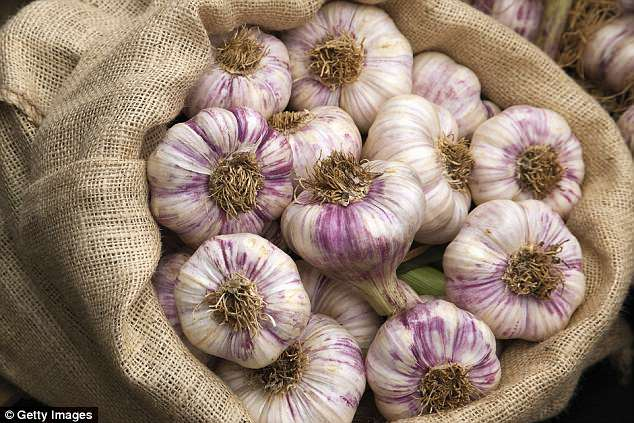 Scientists: Garlic can reduce the risk of cancer, heart disease and type 2 diabetes.