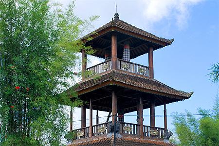 Nyamenusa Rental Makna Dan Jenis Kulkul Di Bali Sebagai