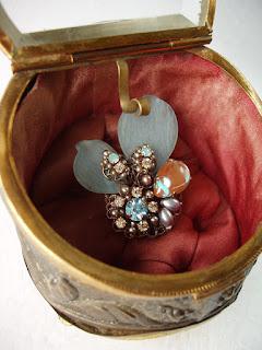 saphirine, saphiret, vintage style, antique, costume jewelry, history, handmade, crafty, fashion, victorian inspired,lovejewellery