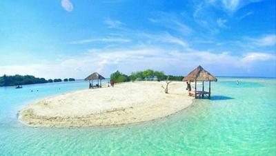Pasir putih Pulau Pari