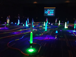 Indoor pop-up glow-in-the-dark minigolf at the ERA's GIS in Orlando. Photo by Liezl van Zyl