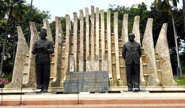 NagaQQ Monumen Proklamasi