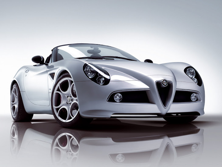 Car Overview: 2013 Alfa Romeo Spider