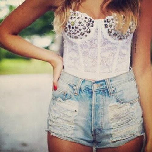 """b72fb32b20394 Los """"shorts de tiro alto"""" o """"shorts altos"""" son una tendencia de moda en las  mujeres en esta época. Toda chica con amor por la moda debe de tener uno de  ..."""