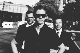 "Interpol lança o energizante single ""Fine Mess"""