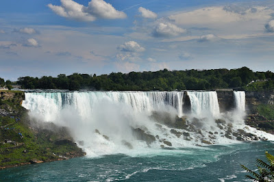 awesome facts about Niagara falls
