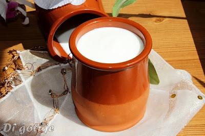 Jogurt domowy w 10 minut (z mleka zwierzęcego lub roślinnego)