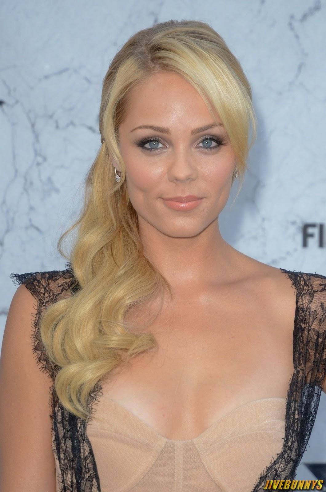 Sexy Blonde Actress 5