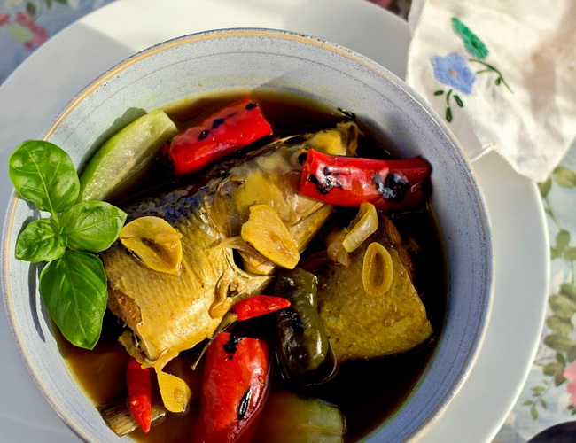 Xvlor Pallu kaloa is snapper soup dish by people of Makassar