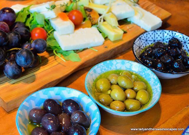 turkish breakfast in gunaydin dubai