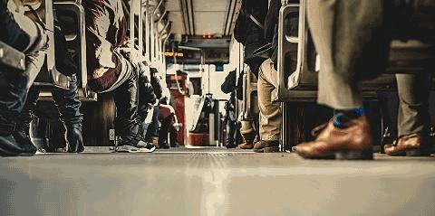 persone sull'autobus