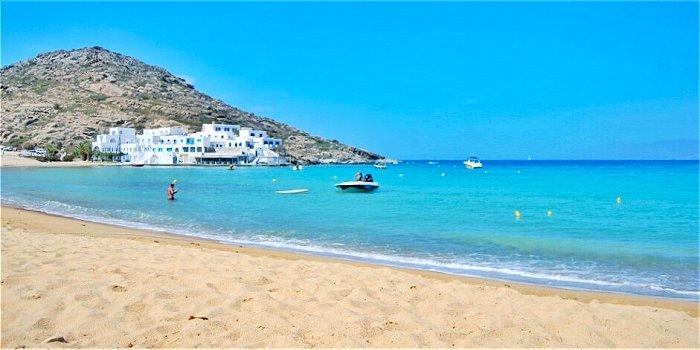 Milopotas Beach, Ios, Grecia