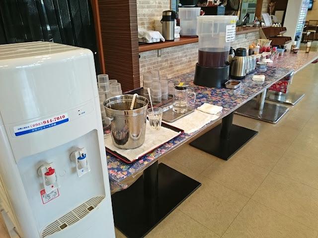 沖縄そば専門店 えびすそばの店内の写真