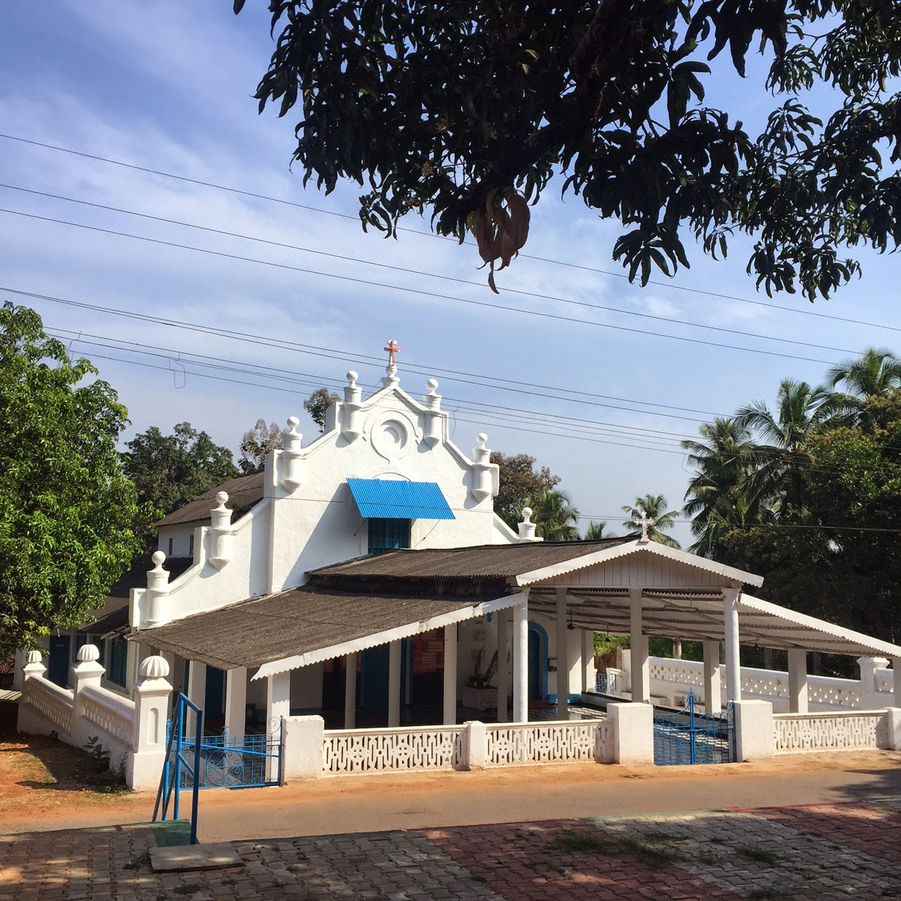 divar island chapel goa beyond beaches Portuguese house green