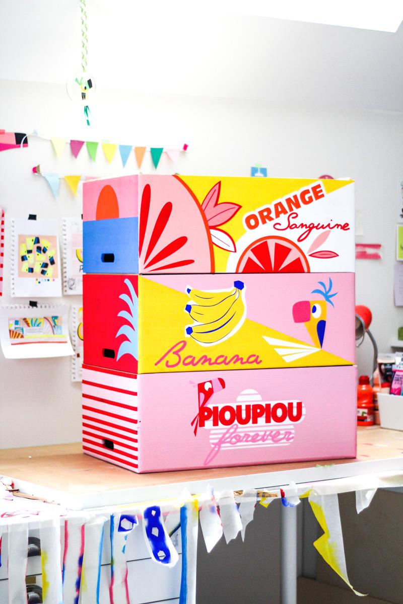 http://camillepplin.blogspot.com/2019/03/caisses-en-bois-peintes-facon-cartons.html