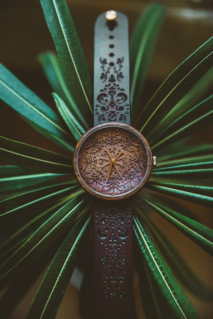 "Ovi Engraved Wooden Watch ""King Mandala"""