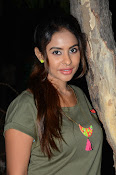 sri reddy latest sizzling pics-thumbnail-6