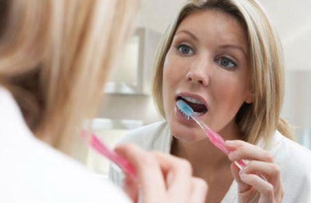 Ketahui cara merawat gigi dengan benar