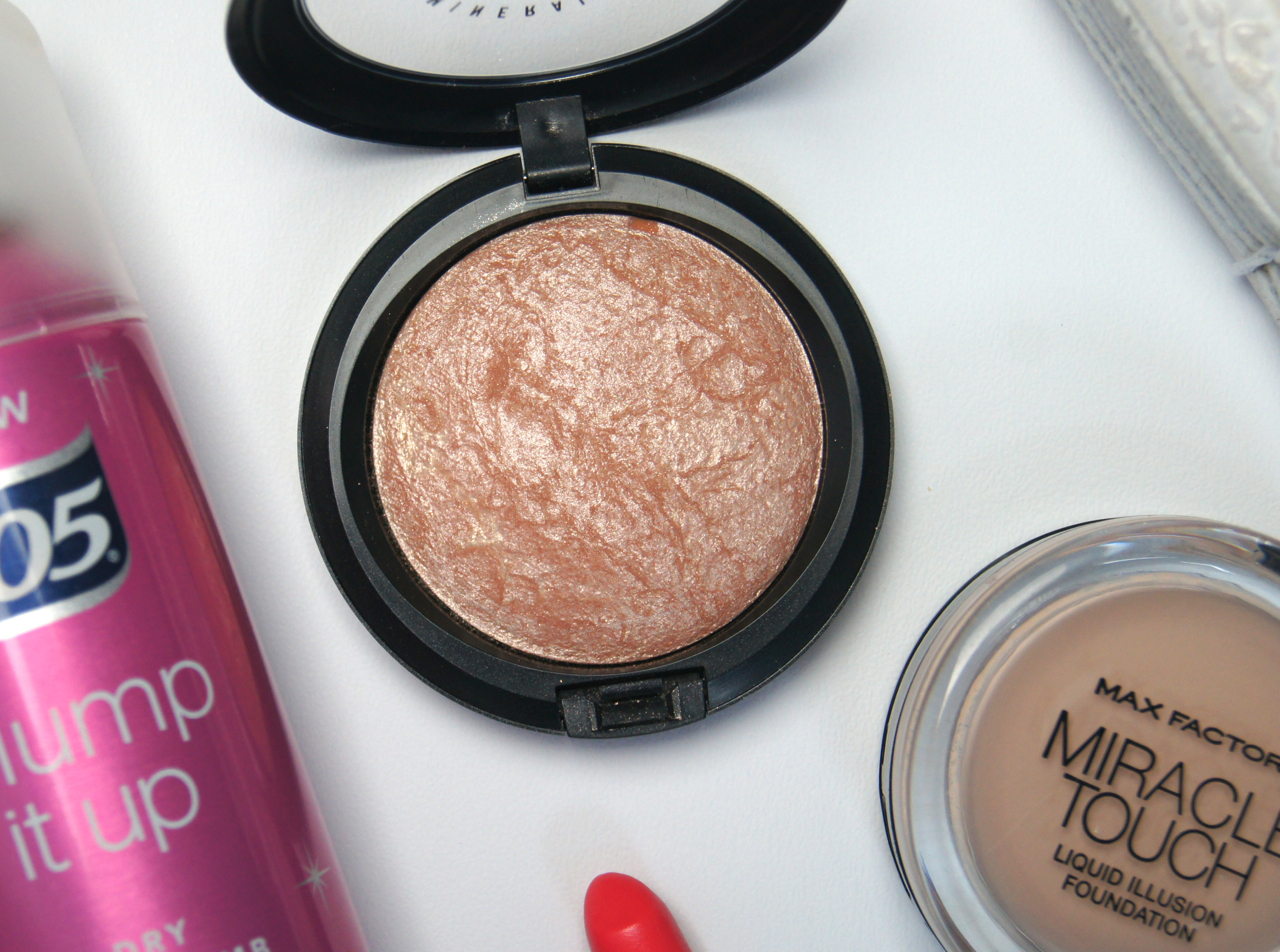 mac soft and gentle mineralize skinfinish highlighter review swatch