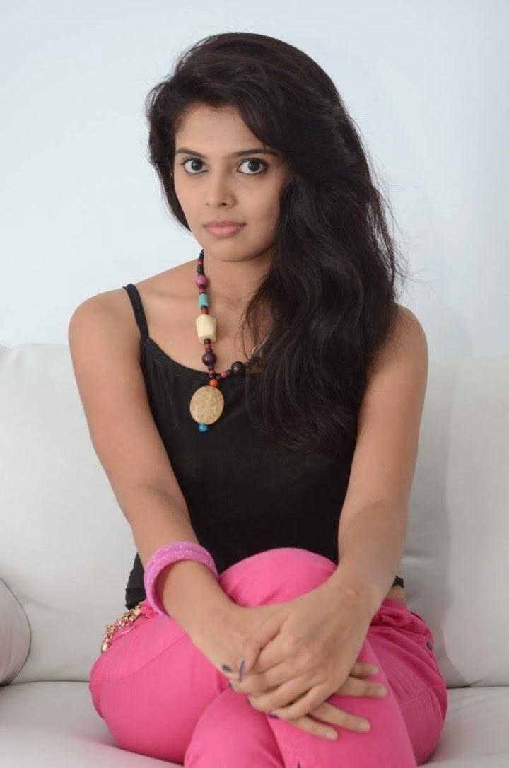 Shravya Hot Telugu Actress Shiner Photos