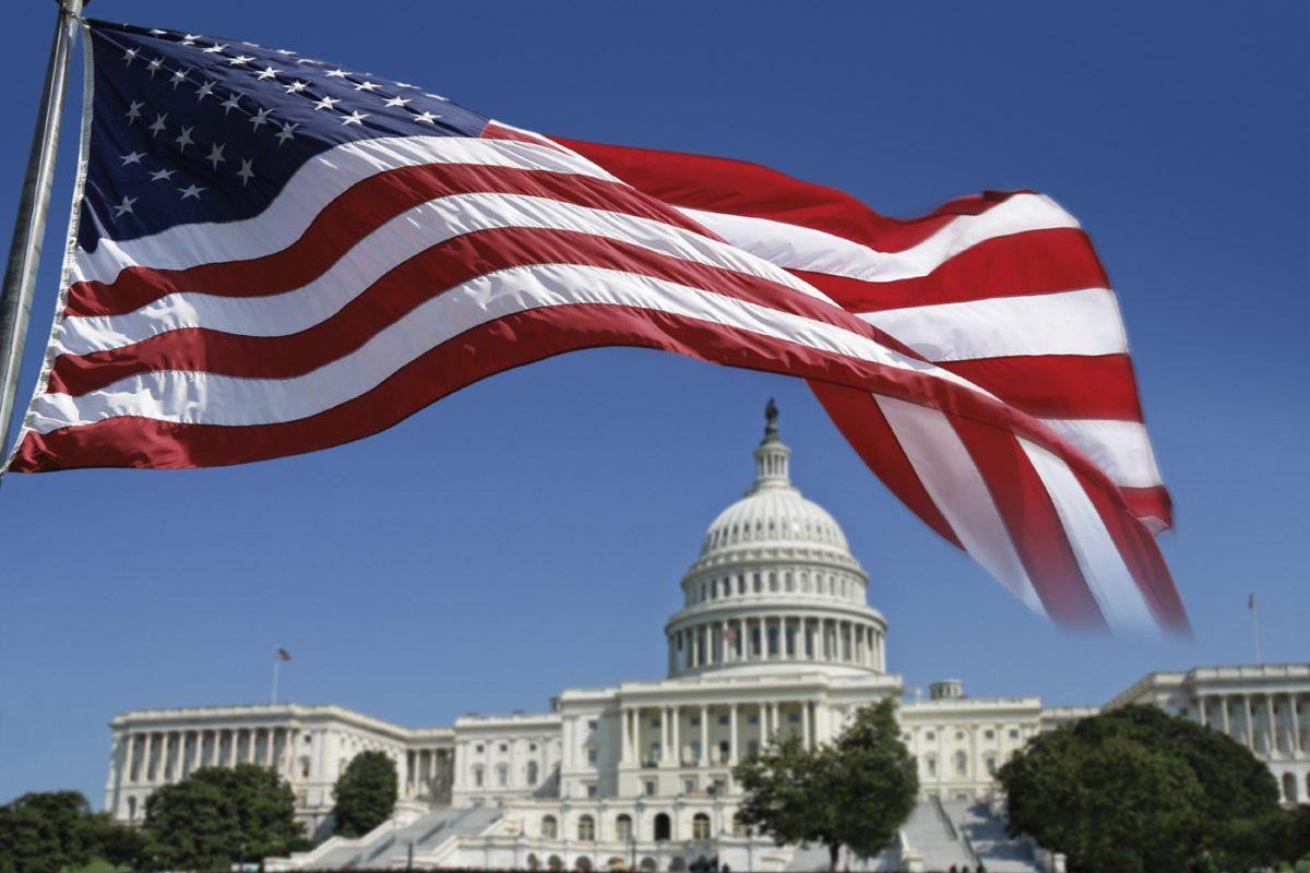 США изгоняют 60 российских дипломатов