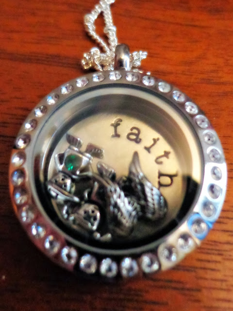 remembrance locket