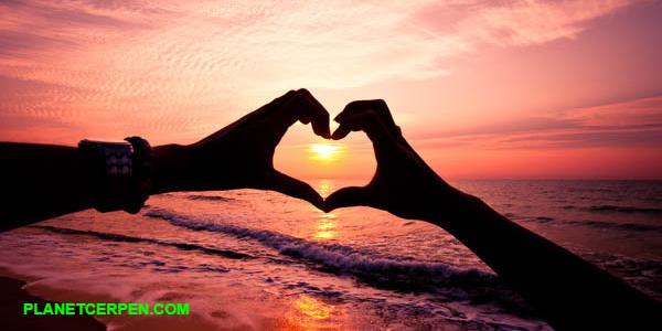 Akhir yang Indah, Sebuah Cerpen Cinta planetcerpen.com
