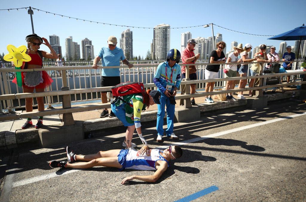 Scotland's Callum Hawkins collapses during Commonwealth Games men's marathon