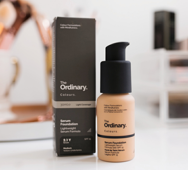 Review The Ordinary Serum Foundation Dessy Dyl