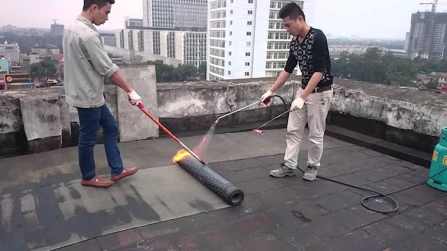 Chống thấm sàn mái dùng màng bitum khò nóng