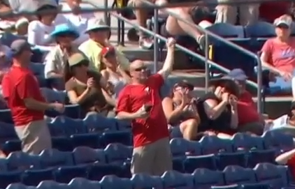 Phillies fan foul ball snag
