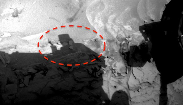 Mad Hatter On Mars Communicates Martian Greeting To @NASA Rover Karl%2BWolfe%252C%2Btop%2Bhat%252C%2Bbird%252C%2Bsign%252C%2BMoon%252C%2Bsun%252C%2BAztec%252C%2BMayan%252C%2Bvolcano%252C%2BBigelow%2BAerospace%252C%2BUFO%252C%2BUFOs%252C%2Bsighting%252C%2Bsightings%252C%2Balien%252C%2Bstation%252C%2BET%252C%2Bspace%252C%2Btech%252C%2BDARPA%252C05112