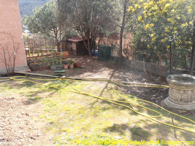 El jardín de la alegría : Instalación de valla y portón en la ...