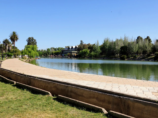 Lake in General San Martín Park in Mendoza, Argentina