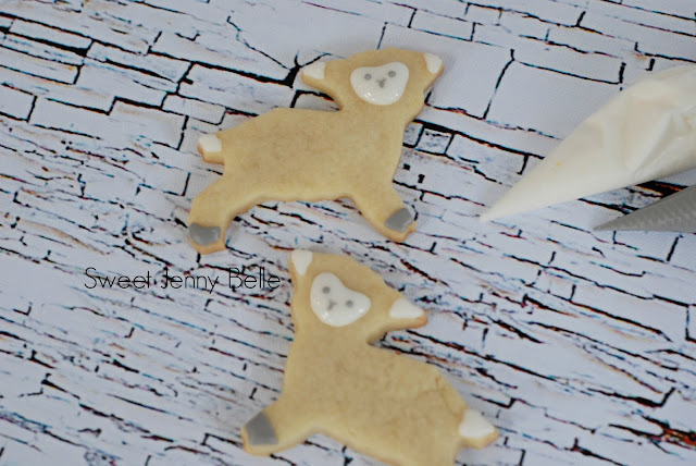 buttercream lamb sugar cookies by Sweet Jenny Belle