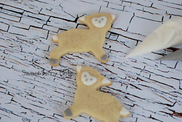buttercream lamb sugar cookies by Sweet Jenny Belle