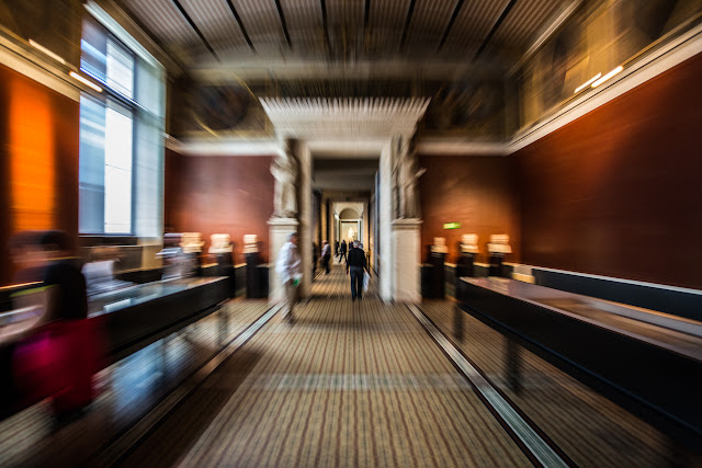 Neues Museum :: Canon EOS5D MkIII | ISO1600 | Canon 17-40 @19mm | f/4.0 | 1/20s