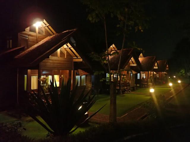 suasana malam di citra cikopo hotel resort
