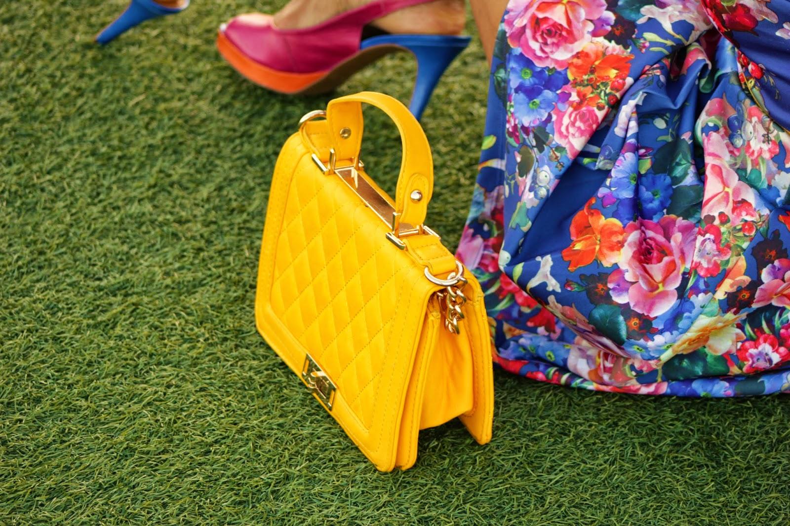 mini+bolsa+amarelal+Gracyjony+Nascimento+www.mulatadourada.com.br
