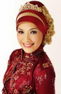 Model Hijab Untuk Kebaya Merah