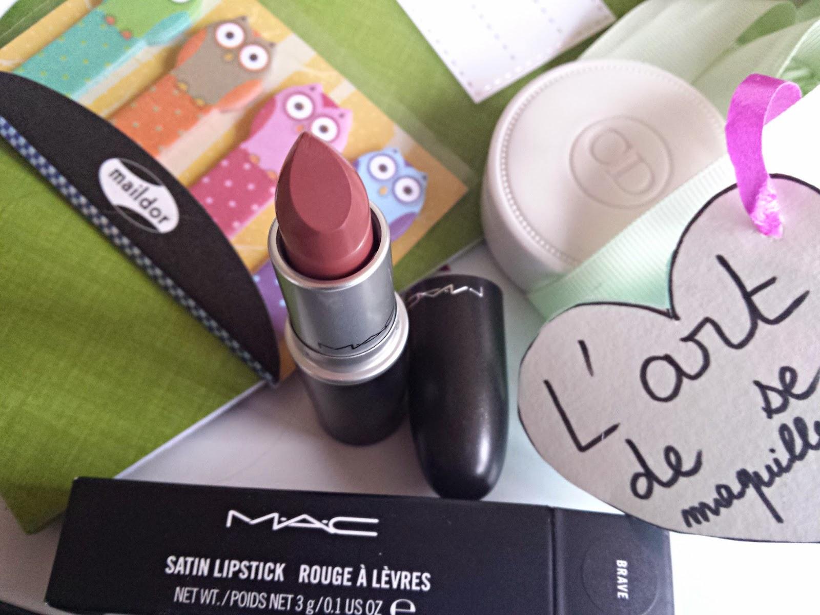 mac rouge lipstick pink plaid papier cadeau