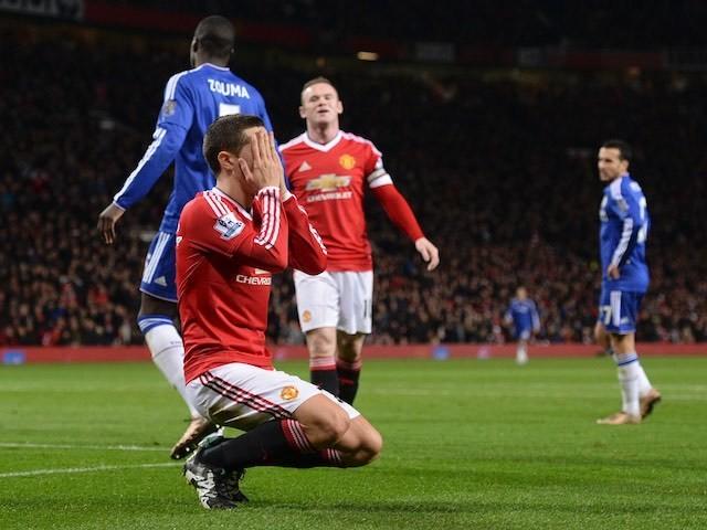 Ander herrera se prenant la tête après une occasion ratée contre Chelsea
