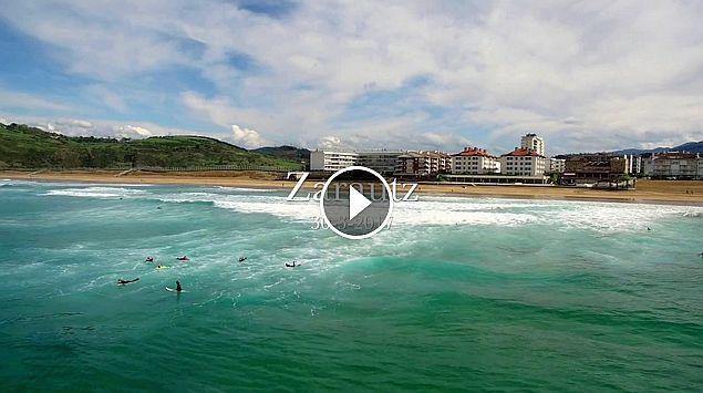 Surfing Zarautz 30 3 2017