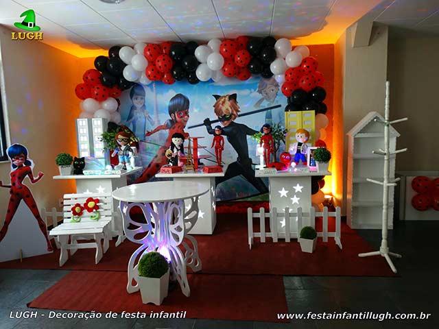 Decoração mesa de aniversário tema Ladybug e Cat Noir, Miraculous, Marinette - Mesa provençal Jacarepaguá RJ