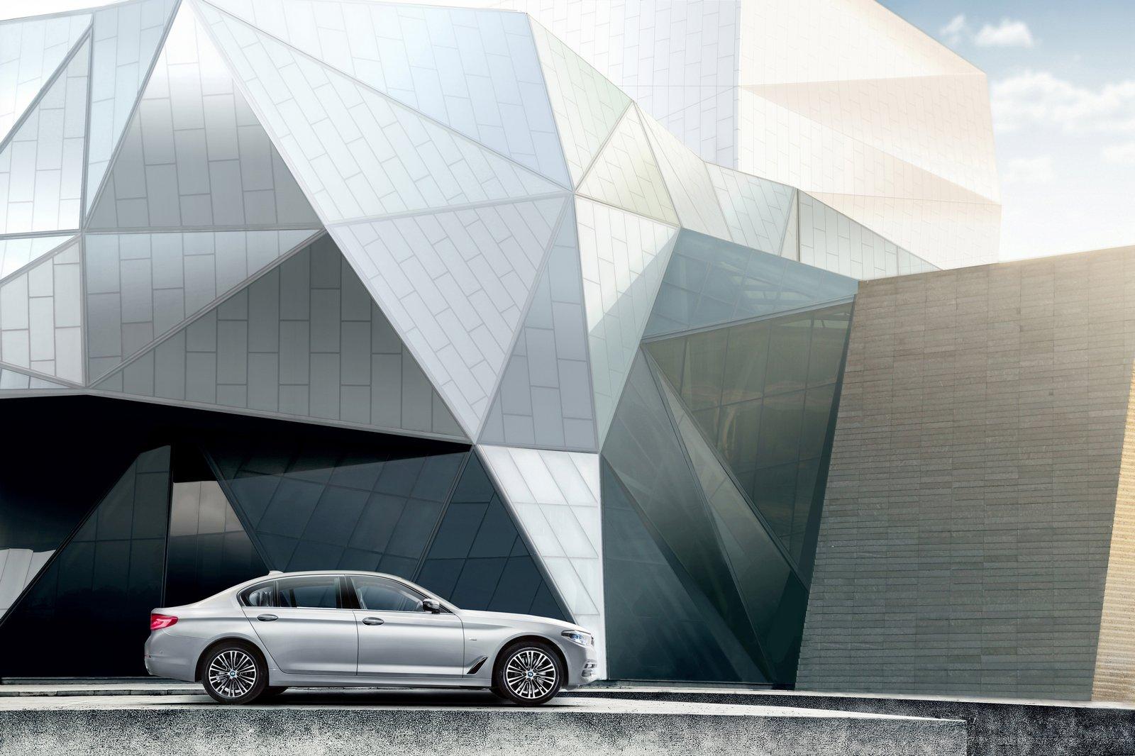 2016 - [BMW] Série 5 Berline & Touring [G30/G31] - Page 28 BMW-5-Series-LWB-8