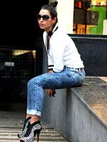 http://www.stylishbynature.com/2015/12/fashion-trend-jogger-denim-new-rules-of.html