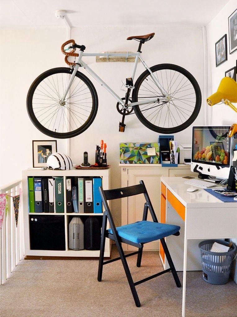 3f6163933 Acabo de mudar para um novo apartamento que tinha um espacio ideal para  armazenar minha bicicleta. Sempre gosto como fica uma bike colocada na  parede um ...