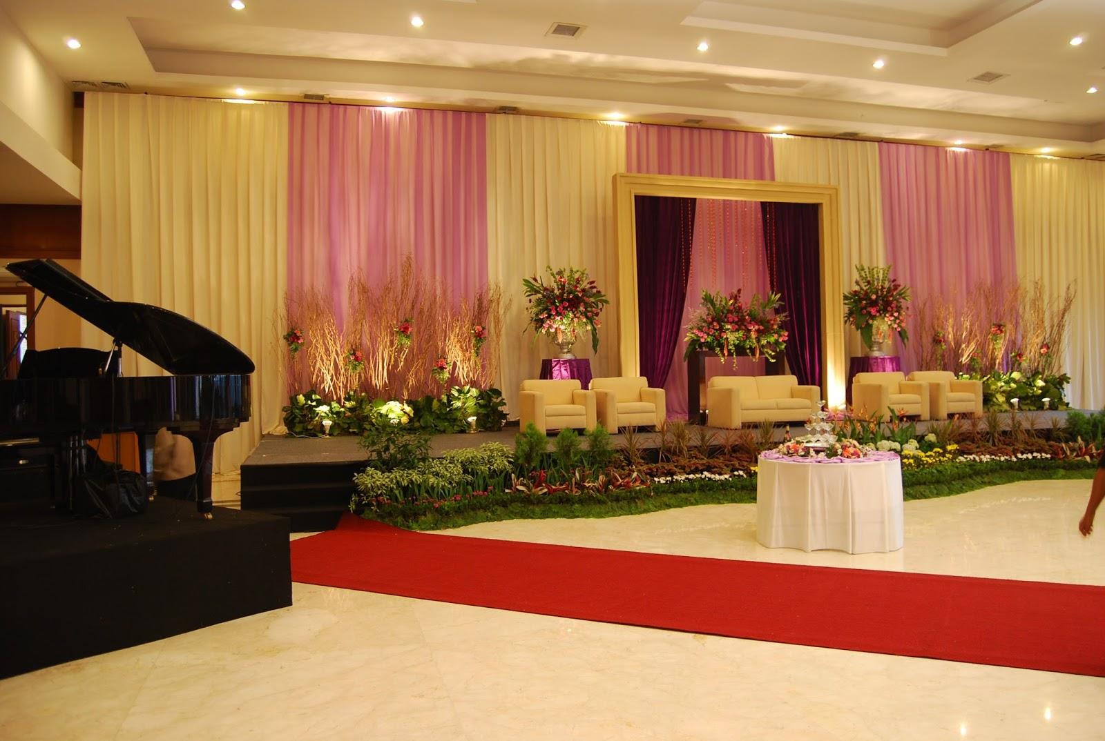 Bukit Gumati Batutulis Bogor Menghadirkan Suatu Konsep Gedung Resepsi Pernikahan Mewah Dengan Harga Terjangkau Didukung Oleh Rekanan Catering