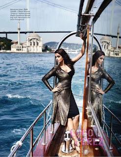Aishwarya Rai Stunning Dress On A Ship